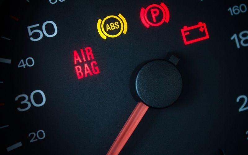 Airbag warning on a car's dashboard